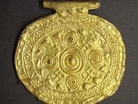 etruscan_pendant_with_swastika_symbols_bolsena_italy_700_bce_to_650_bce